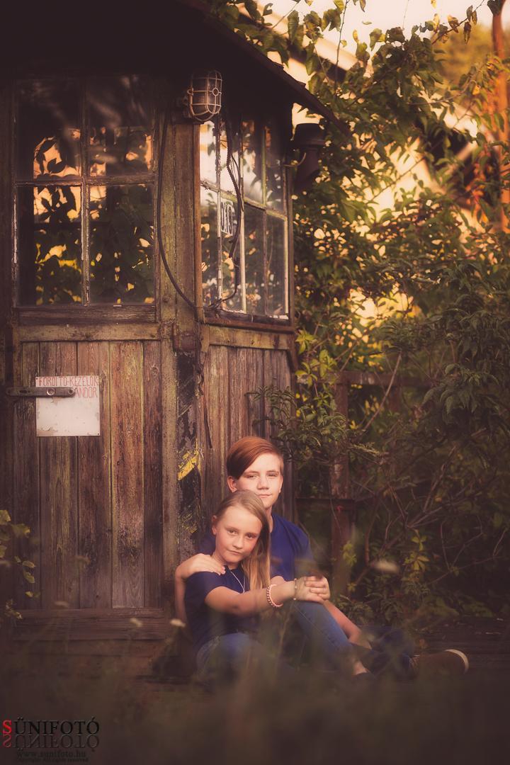 családi fotózás, kőbánya, gyerekfotózás, portré, máv, vonat, rákosmente
